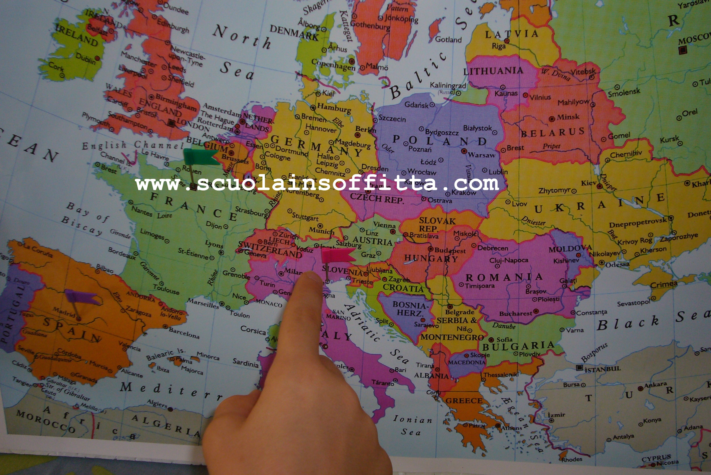 La cameretta geografica per piccoli viaggiatori la for Carta da parati cartina geografica