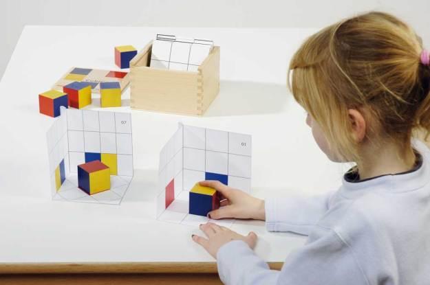 Set di cubi per imparare ombre e spazio